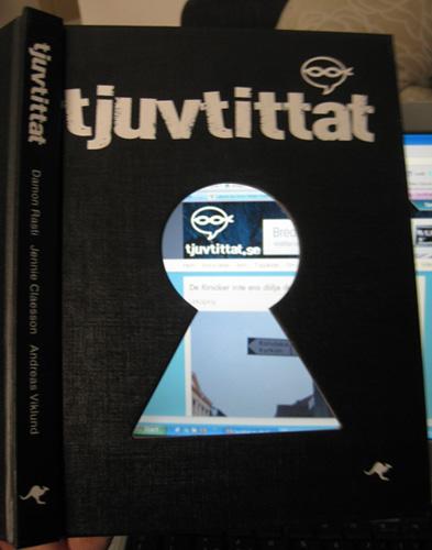 Tjuvtittat_boken