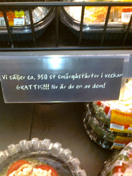 Vi säljer ca 350 st smörgåstårtor i veckan. GRATTIS! Nu är du en av dem!